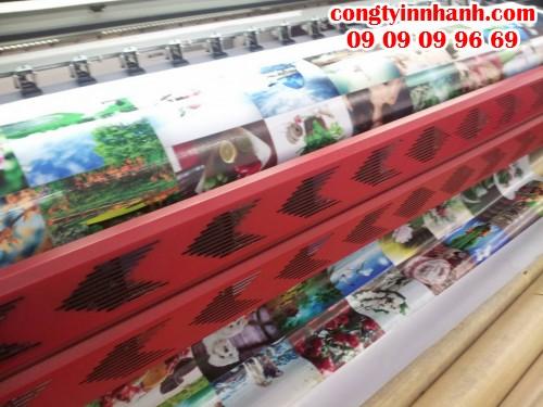 Công ty In Nhanh chuyên nhận in phông nền cho các showroom, cửa hàng, công ty,... chất lượng hình ảnh sắc nét, độ bền màu cao
