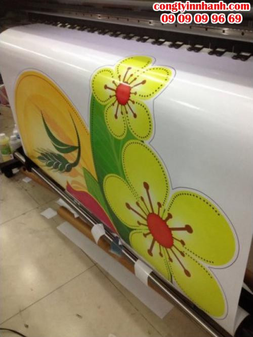 Trang trí Tết cho showroom ôtô, cửa hàng, công ty,... với decal in hình hoa mai tuyệt đẹp