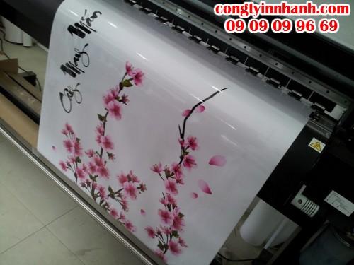 Decal dán trang trí ngày Tết hình hoa mai, hoa đào được in ấn và cắt bế đẹp, đúng kích thước, chi tiết hoa trực tiếp từ máy in bế Mimaki hiện đại Nhật