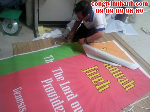 Gia công thành phẩm in phông nền vải silk trực tiếp từ nhân viên Công ty In Nhanh