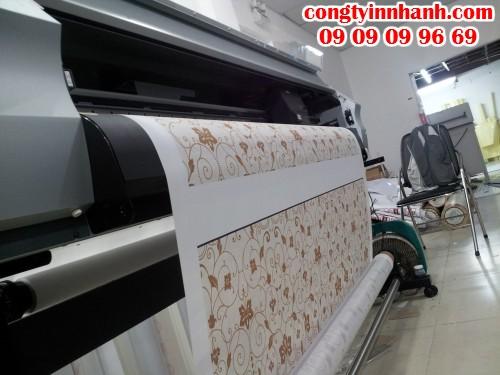 Công ty In Nhanh thực hiện in tranh silk cho các showroom, cửa hàng, công ty,... chất lượng hình ảnh sắc nét, độ bền màu cao